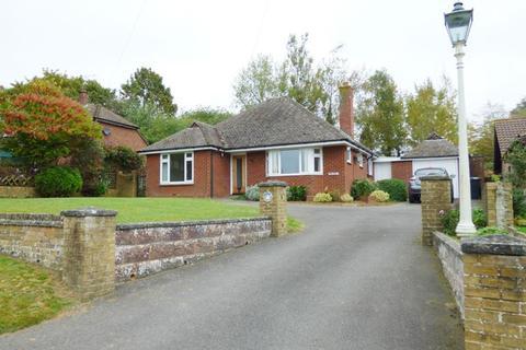 3 bedroom bungalow to rent - Grove Green Lane, Weavering Street, Maidstone, Kent, ME14 5JW