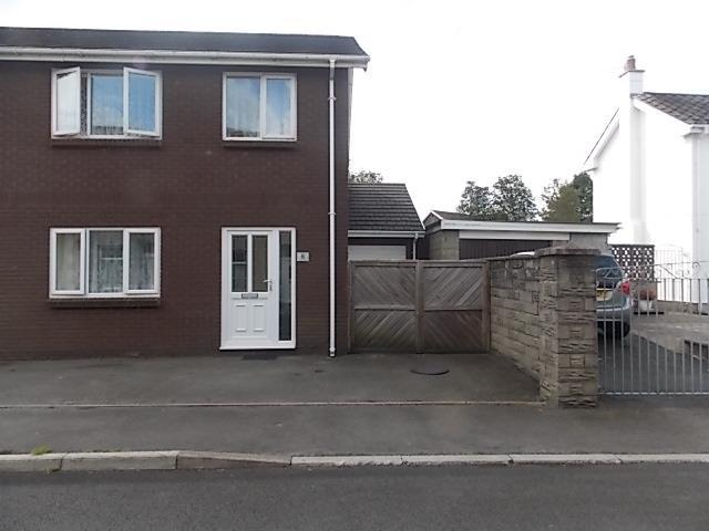 3 Bedrooms Semi Detached House for sale in Dolau Road, Llanelli