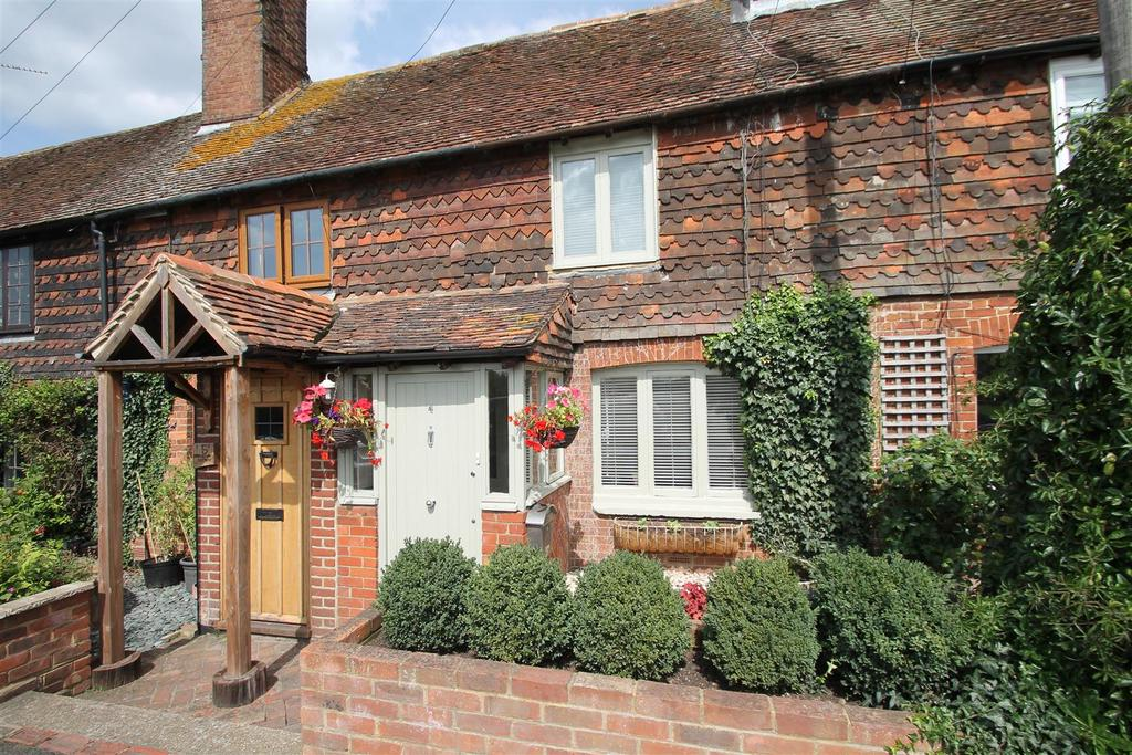 3 Bedrooms Terraced House for sale in Maidstone Road, Staplehurst, Tonbridge