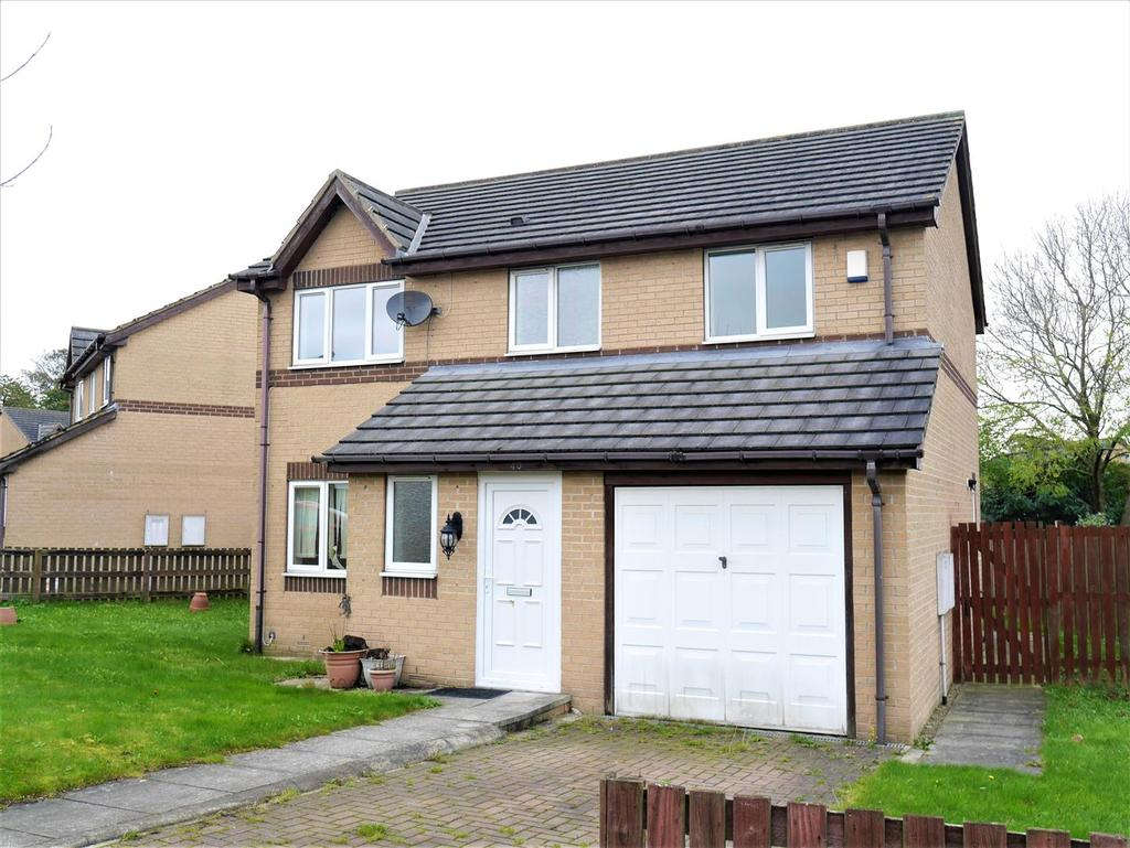 4 Bedrooms Detached House for sale in Warton Avenue, Bierley, BD4 6JG