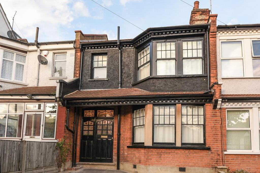 4 Bedrooms Terraced House for sale in Priory Villas, Colney Hatch Lane, Friern Barnet
