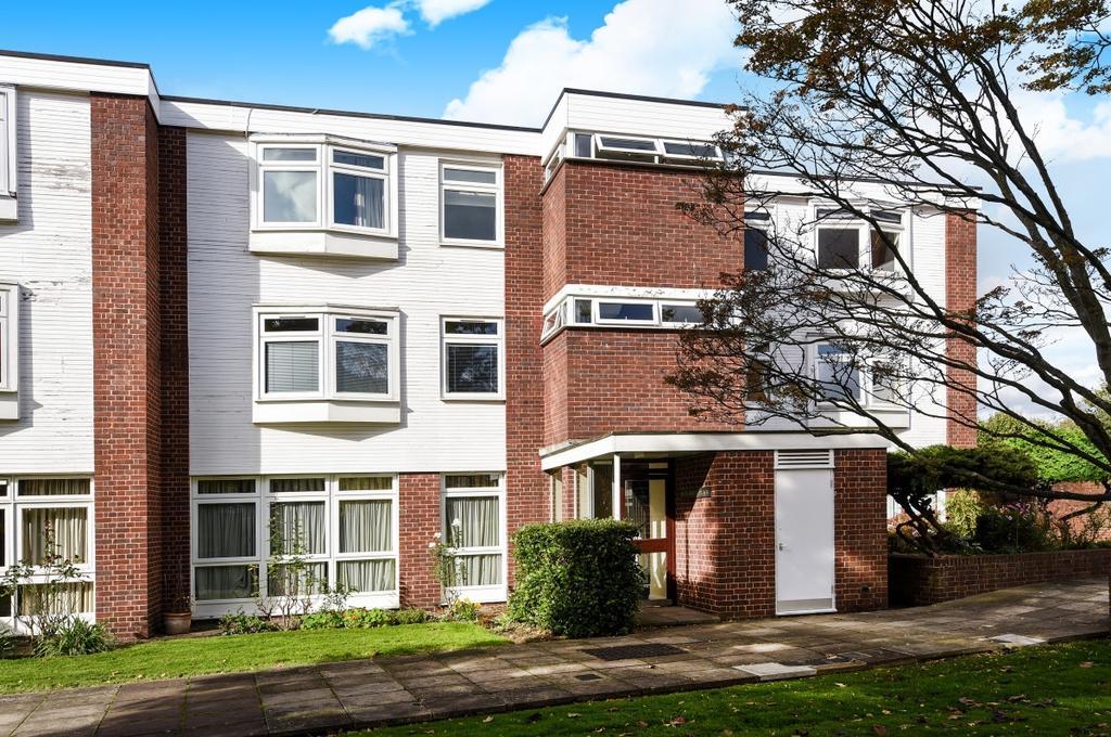 2 Bedrooms Flat for sale in Sweyn Place Blackheath SE3