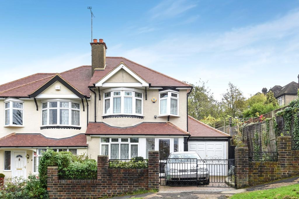 3 Bedrooms Semi Detached House for sale in Strathdale Streatham SW16