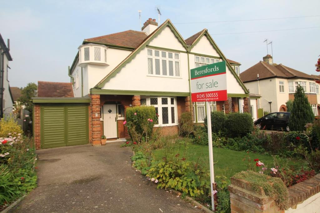 3 Bedrooms Semi Detached House for sale in Third Avenue, Chelmsford, Essex, CM1