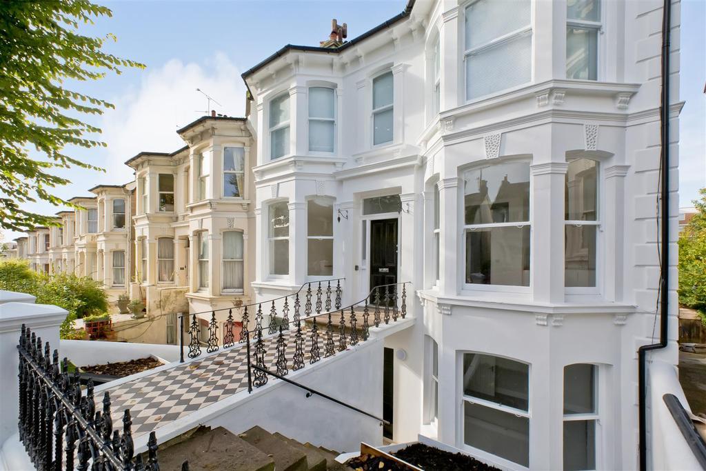 3 Bedrooms Flat for sale in Beaconsfield Villas, Preston Park, Brighton