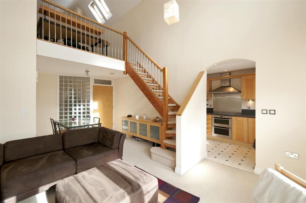 2 Bedrooms Apartment Flat for sale in Milton Lane, Kings Hill, ME19 4JJ
