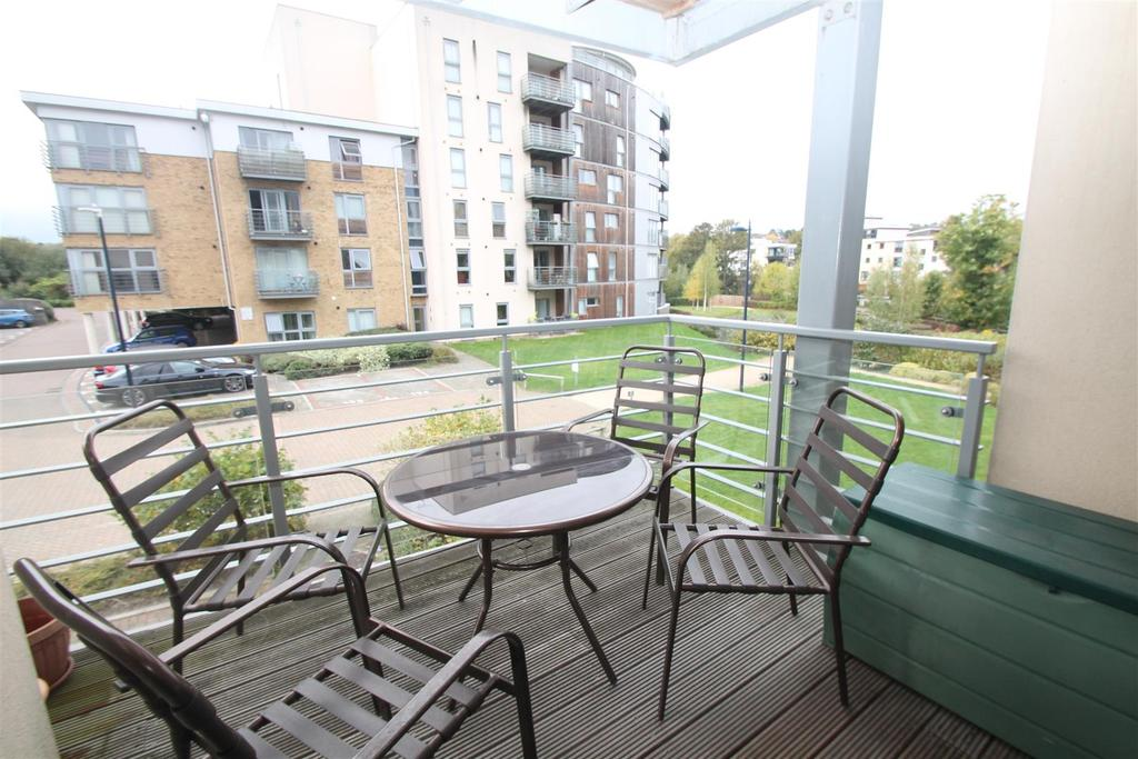 2 Bedrooms Apartment Flat for sale in Cornhill Place, Maidstone