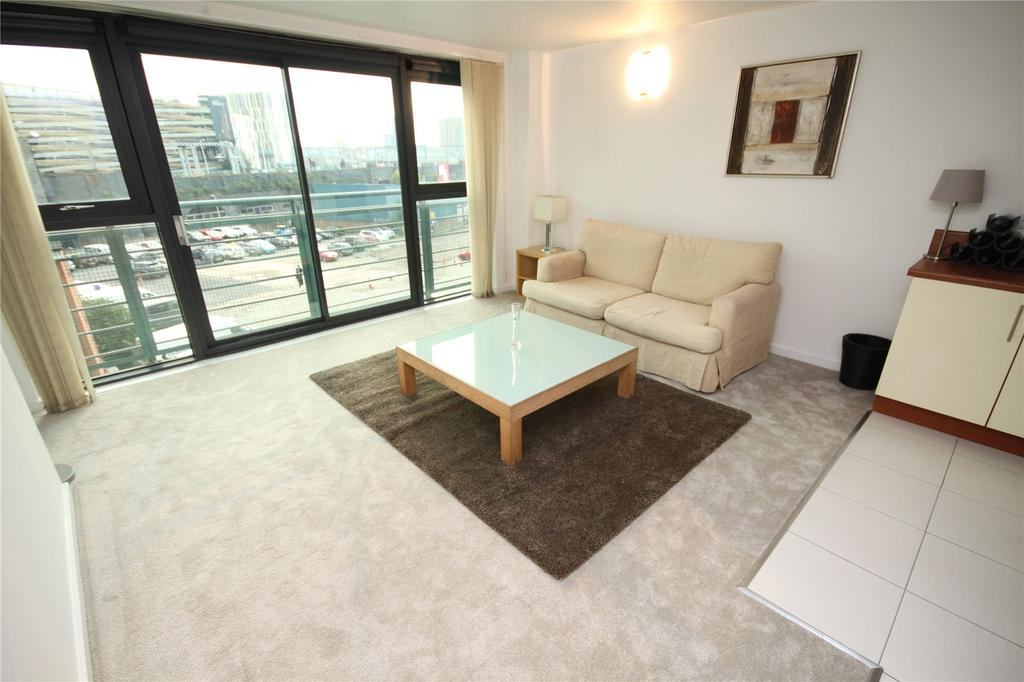 1 Bedroom Flat for sale in City Point II, Chapel Street, Salford, Manchester, M3