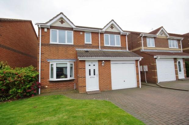 4 Bedrooms Detached House for sale in Trevarren Drive, Ryhope, SR2