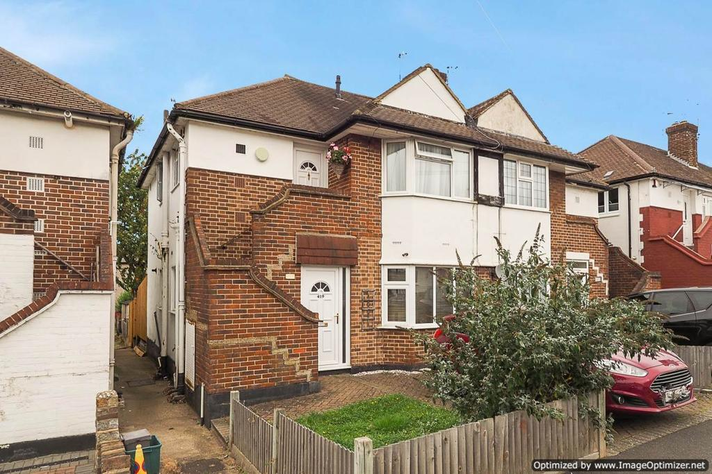 2 Bedrooms Maisonette Flat for sale in Lynmouth Avenue, Morden SM4