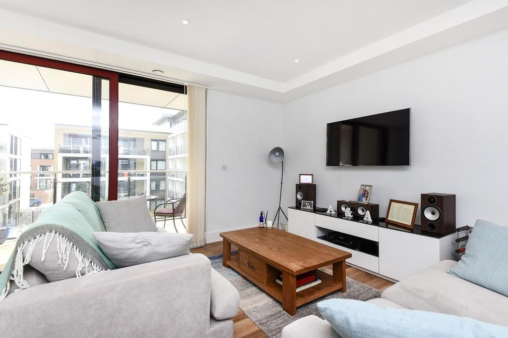2 Bedrooms Flat for sale in George view house, Knaresborough Drive, Earlsfield