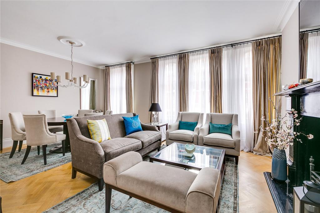 3 Bedrooms Flat for sale in Oxford Cambridge Mansions, Transept Street, London