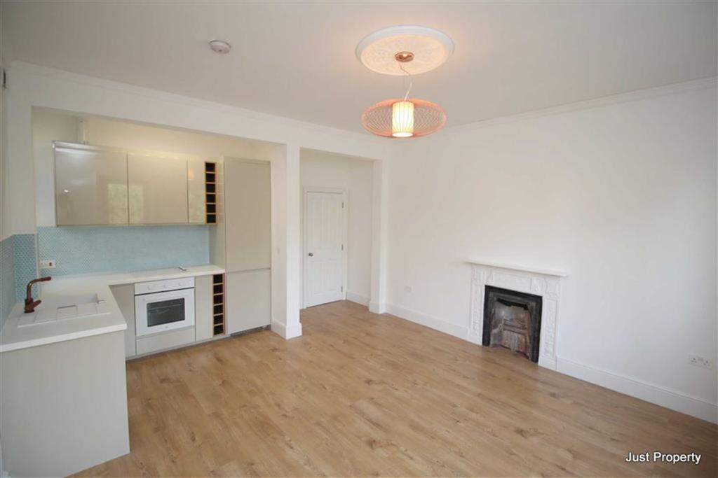 1 Bedroom Apartment Flat for sale in St Matthews Gardens, St Leonards On Sea