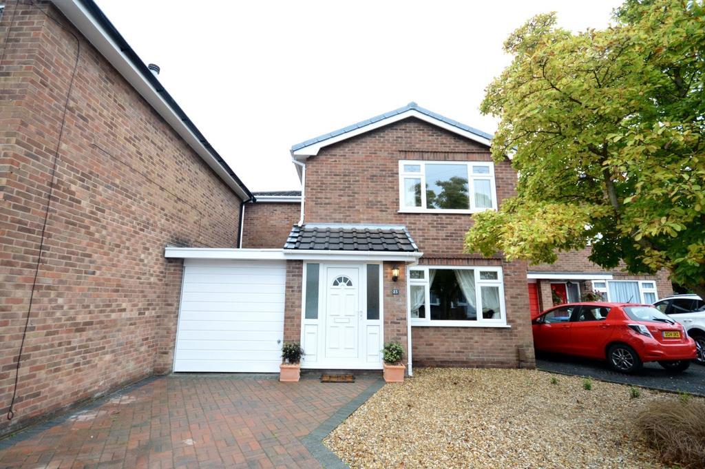 3 Bedrooms Link Detached House for sale in Fairfield Gardens, Stockton Heath, Warrington