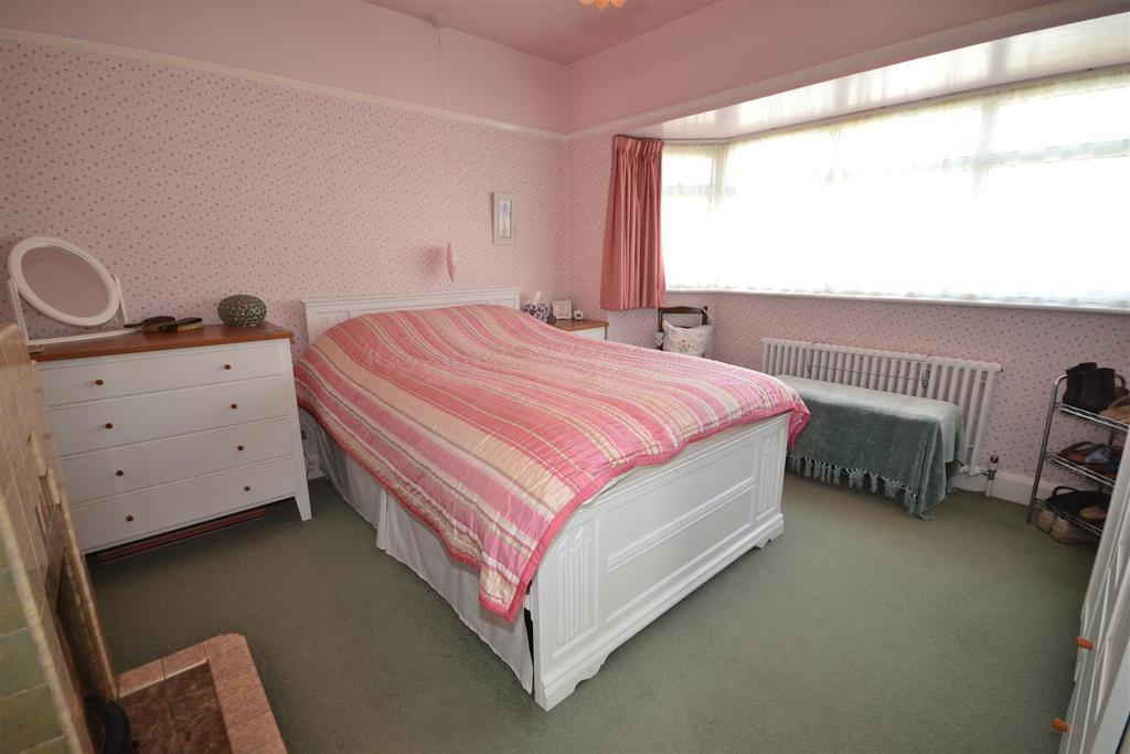 3 Bedrooms Detached House