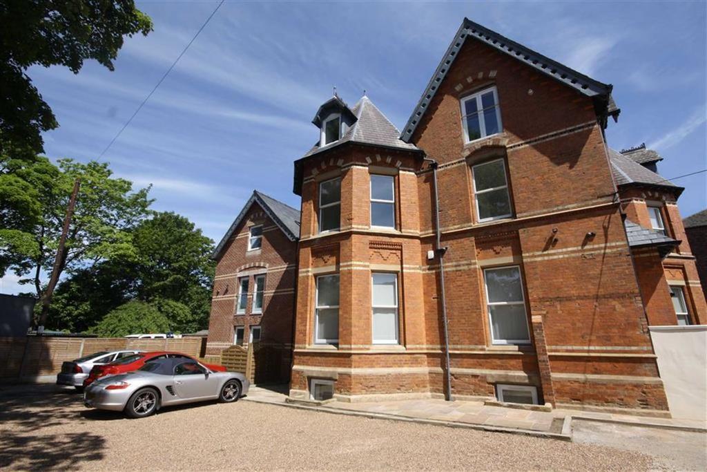 2 Bedrooms Flat for sale in Washway Road, Sale