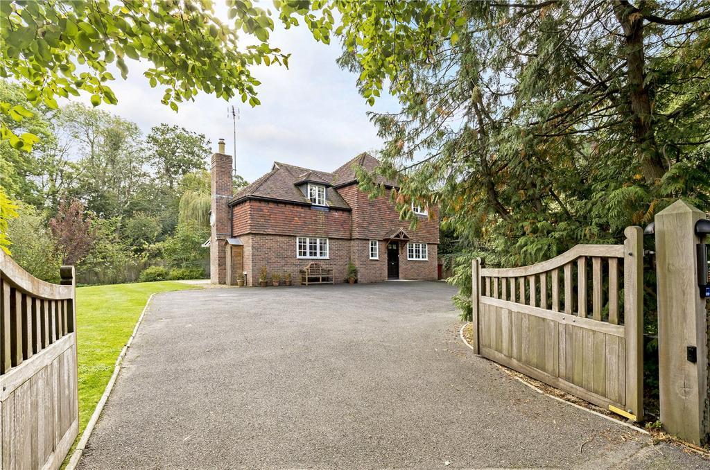 3 Bedrooms Unique Property for sale in Graffham, Petworth, West Sussex, GU28