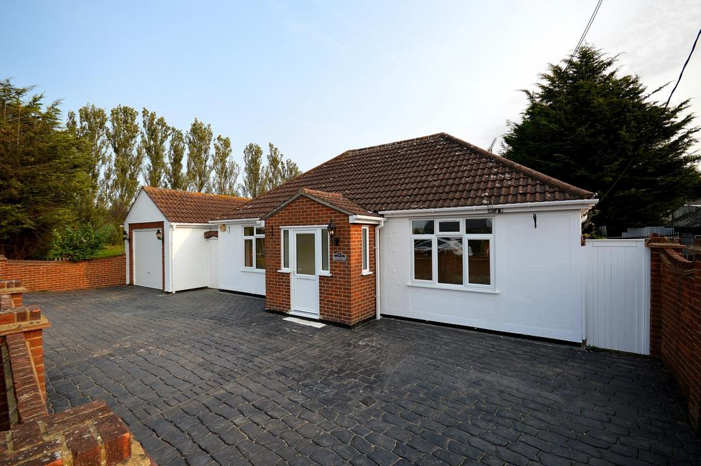 5 Bedrooms Detached Bungalow for sale in Main Road, Woodham Ferrers, Chelmsford, Essex, CM3
