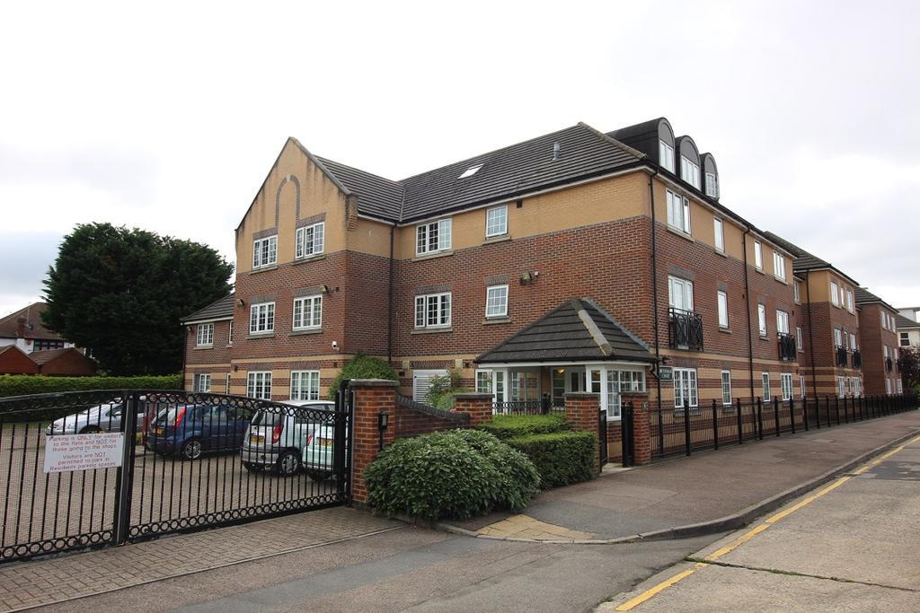 1 Bedroom Retirement Property for sale in Betjeman Court, 50 Cockfosters Road, Cockfosters EN4