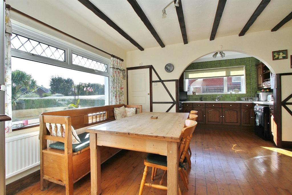 4 Bedrooms Detached House for sale in The Ridgway