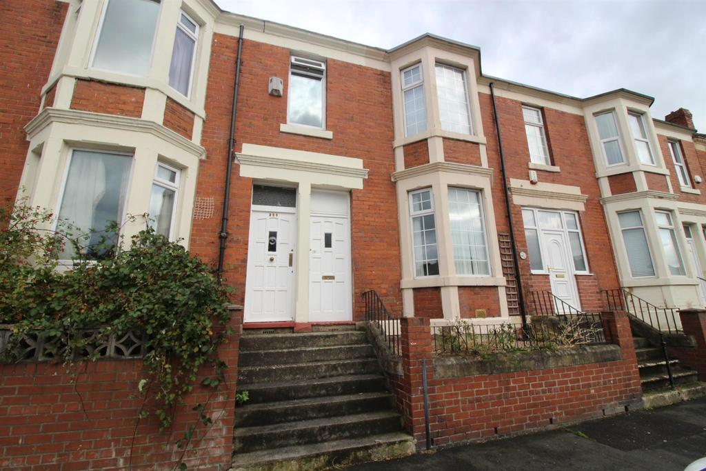 4 Bedrooms Maisonette Flat for sale in Rawling Road, Gateshead