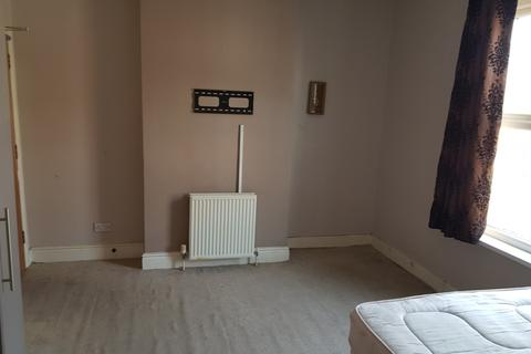 1 bedroom in a house share to rent - Rooms to rent in Smethwick B66
