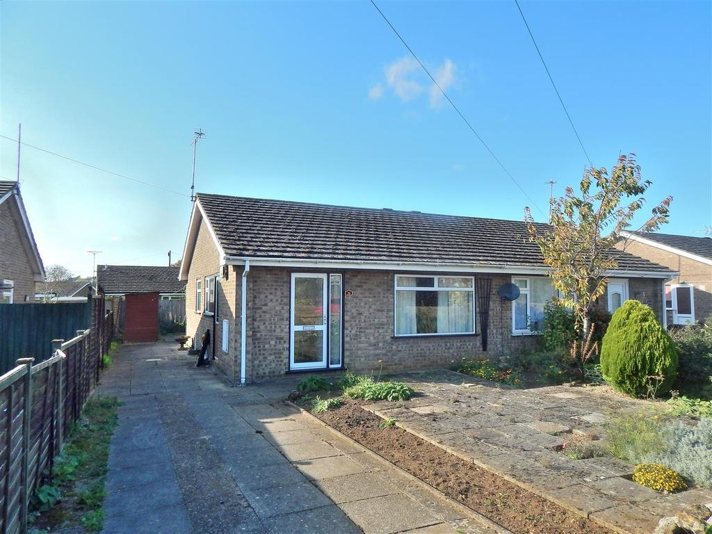 2 Bedrooms Semi Detached Bungalow for sale in Goose Green Road, Snettisham, King's Lynn