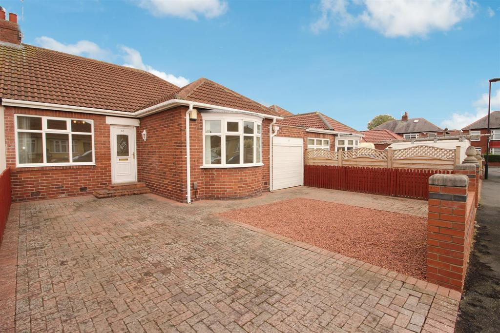 3 Bedrooms Semi Detached Bungalow for sale in Craythorne Gardens, Newcastle Upon Tyne