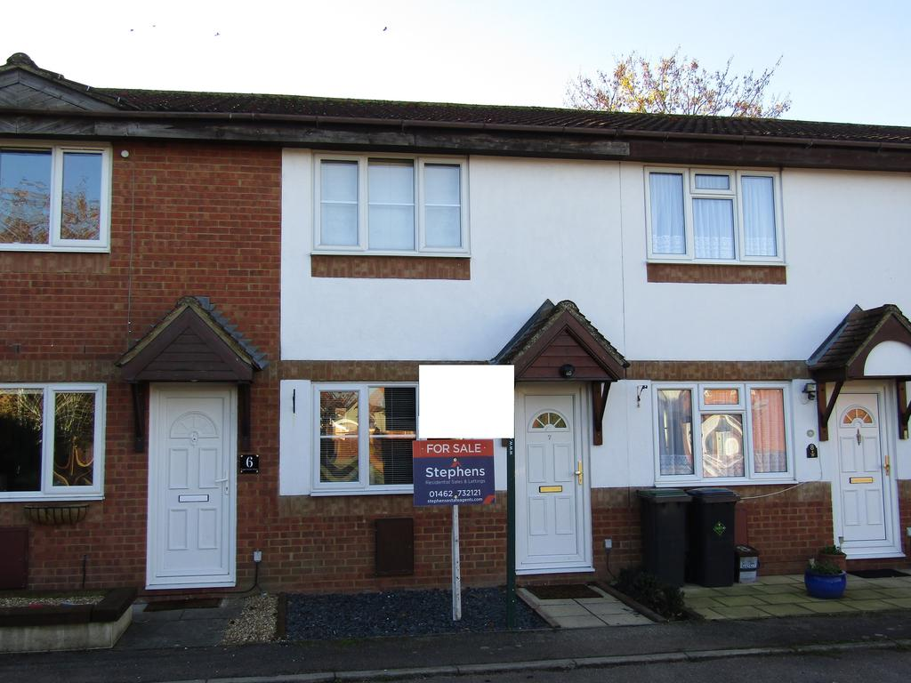 2 Bedrooms Terraced House for sale in Upperstone Close, Stotfold, SG5 4LW
