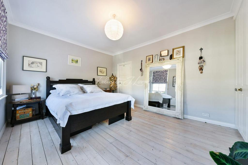3 Bedrooms Terraced House for sale in Winston Road, N16