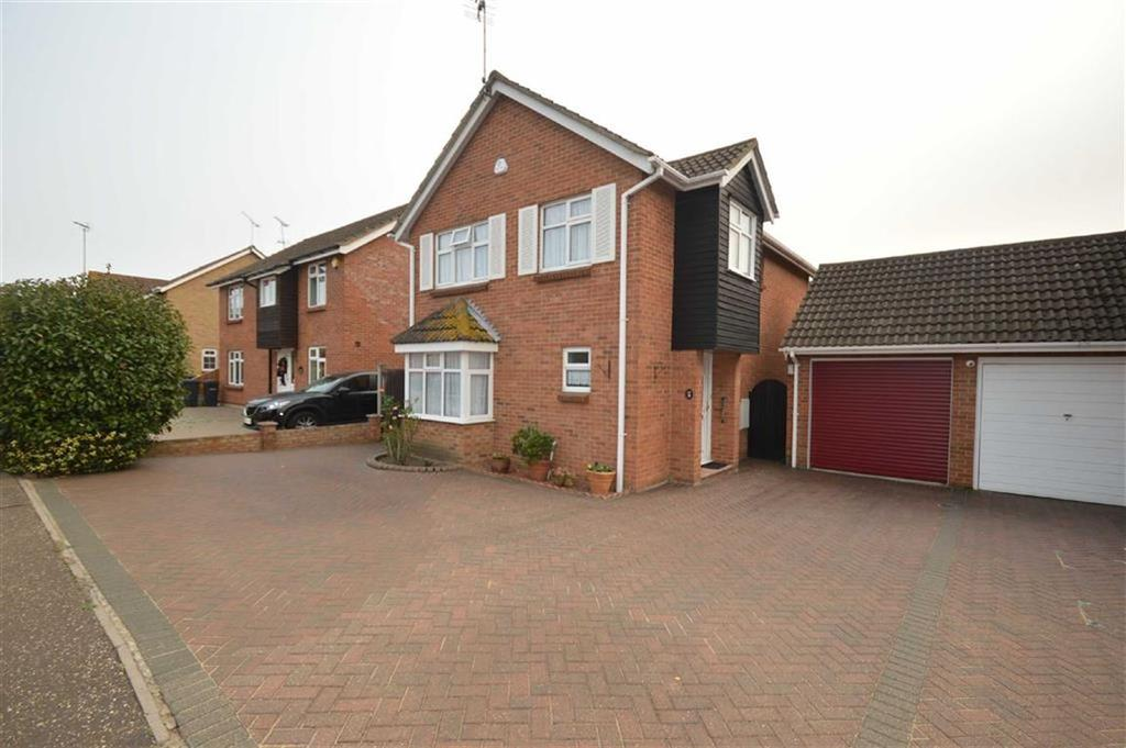 4 Bedrooms Detached House for sale in Doulton Way, Rochford, Essex