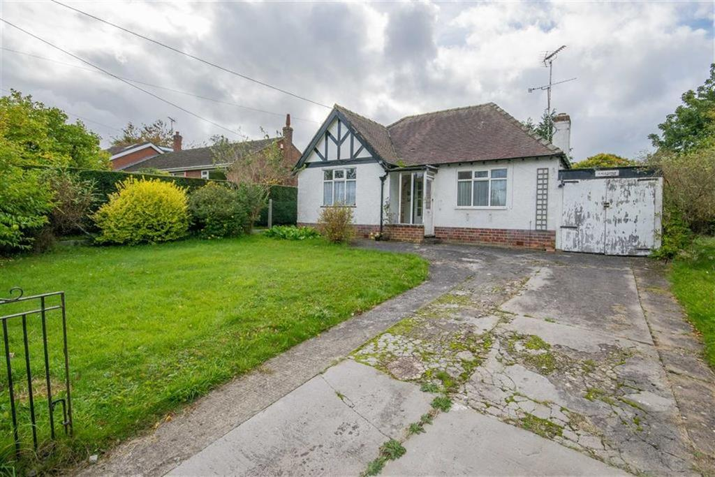 2 Bedrooms Detached Bungalow for sale in Cefn Bychan Road, Pantymwyn, Mold