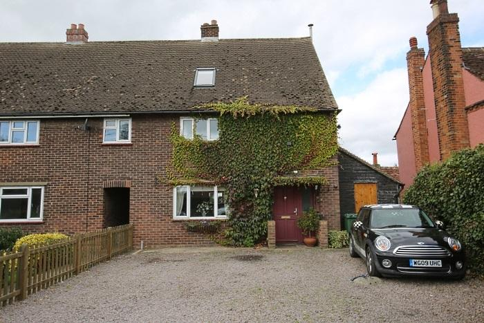 4 Bedrooms Semi Detached House for sale in HILLTOP, TOOT HILL CM5