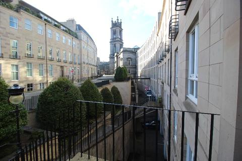 2 bedroom flat to rent - Fettes Row, New Town, Edinburgh, EH3 6RL