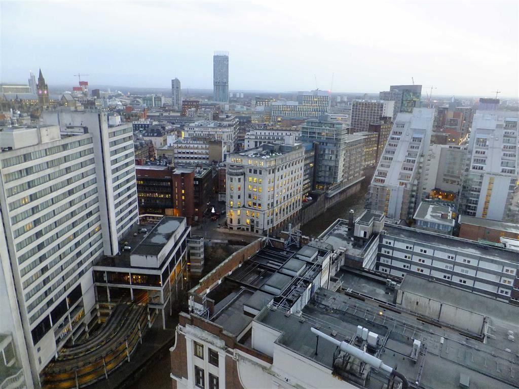 2 Bedrooms Flat for sale in City Heights, Victoria Bridge Street, Manchester