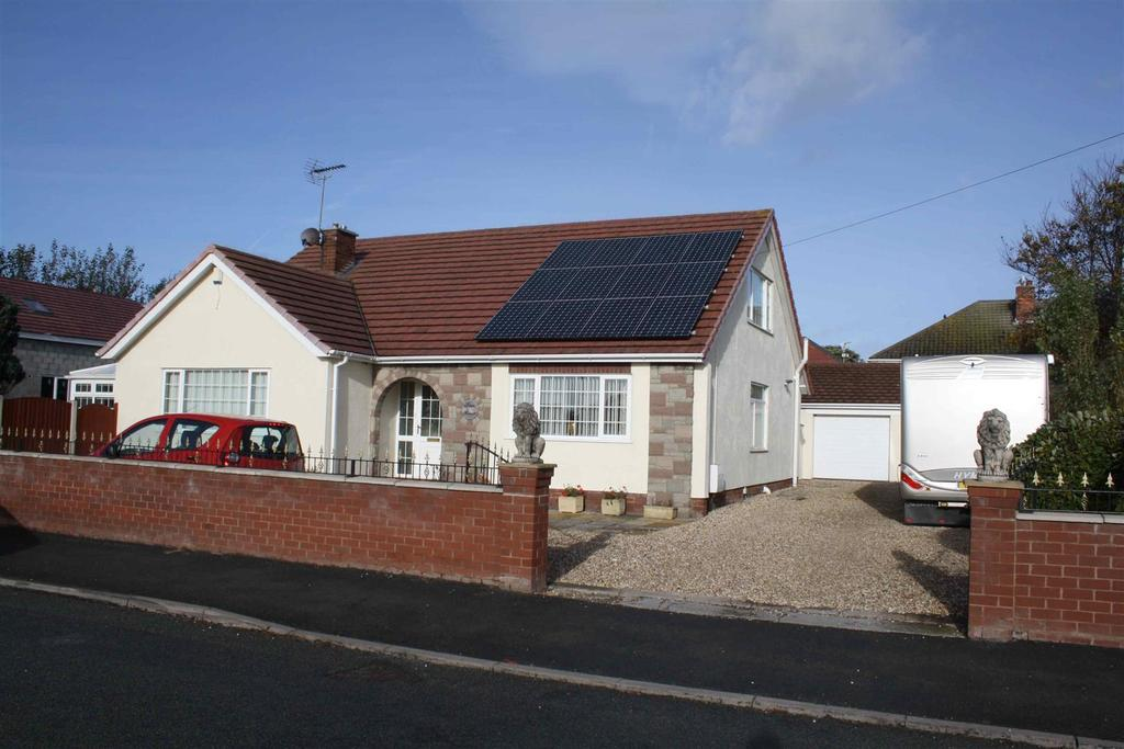 4 Bedrooms Detached Bungalow for sale in Kendal Road, Kinmel Bay