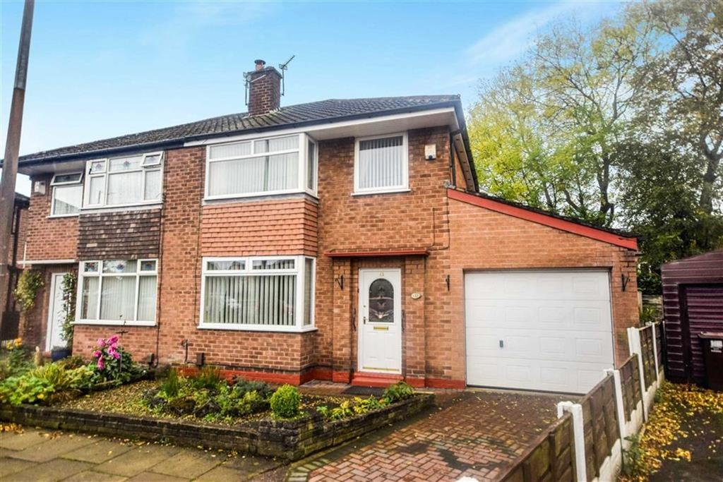 3 Bedrooms Semi Detached House for sale in Holyrood Drive, South Swinton