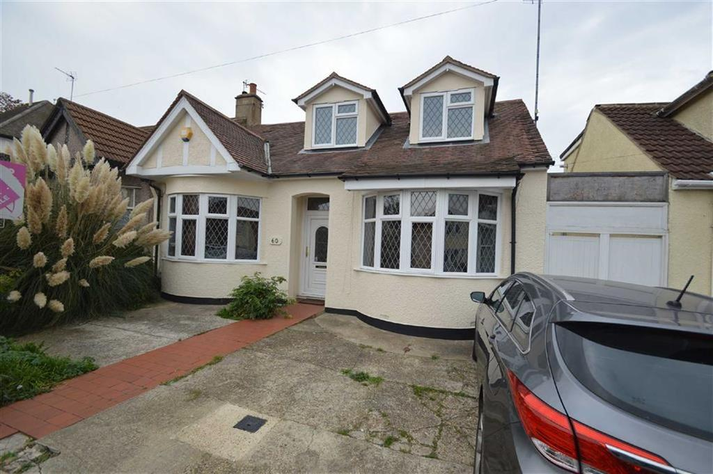 4 Bedrooms Chalet House for sale in Springfield Drive, Westcliff On Sea, Essex