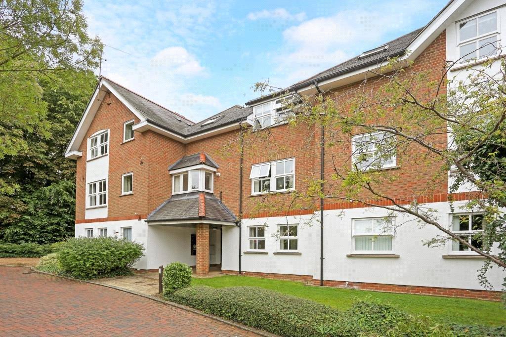 2 Bedrooms Flat for sale in Poets Court, Milton Road, Harpenden, Hertfordshire, AL5