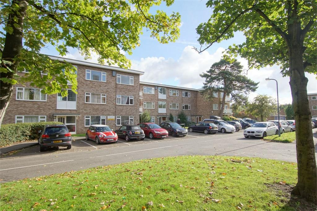 2 Bedrooms Flat for sale in St Johns Court, Warwick