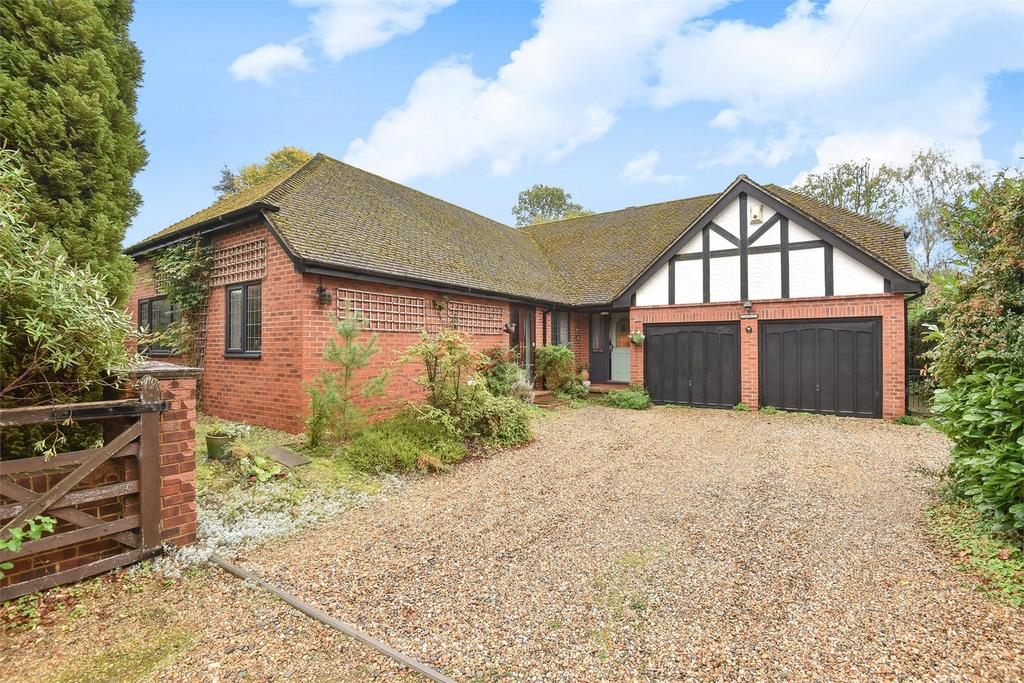4 Bedrooms Detached Bungalow for sale in Headley Down, Bordon, Hampshire