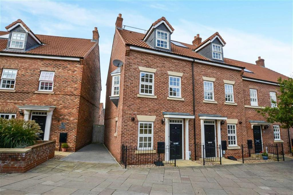 3 Bedrooms Town House for sale in Hamilton Walk, Beverley