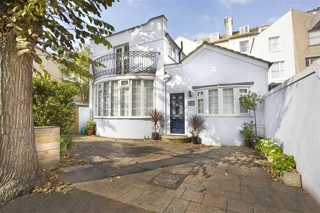 3 Bedrooms Detached House for sale in Seafield Road, Hove, East Sussex