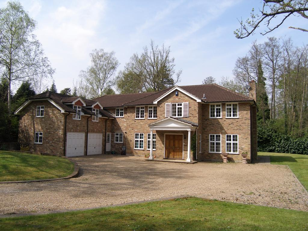 Detached House for sale in London Road, Sunningdale, Ascot