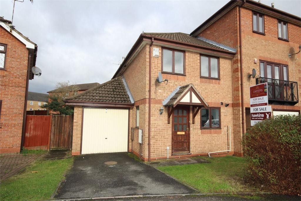 3 Bedrooms End Of Terrace House for sale in Kenilworth Drive, Nuneaton, Warwickshire