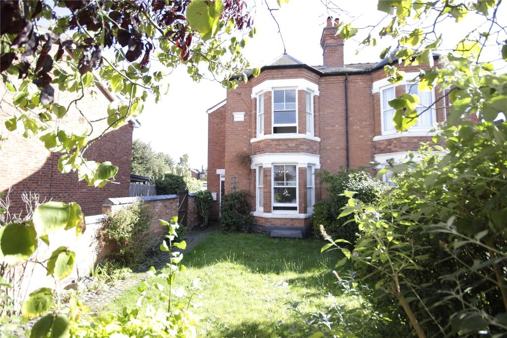 4 Bedrooms Semi Detached House for sale in St Johns, Worcester