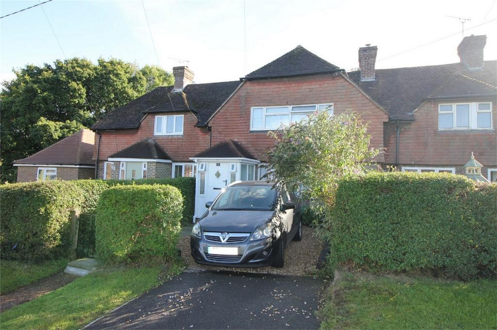 3 Bedrooms Terraced House for sale in Coronation Gardens, BATTLE, East Sussex