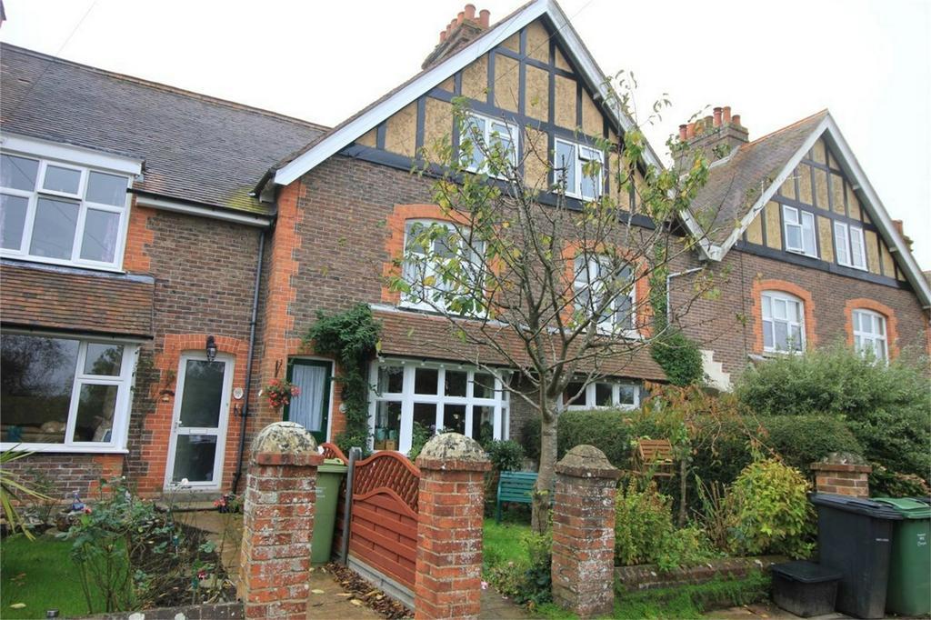 4 Bedrooms Terraced House for sale in Harold Terrace, BATTLE, East Sussex