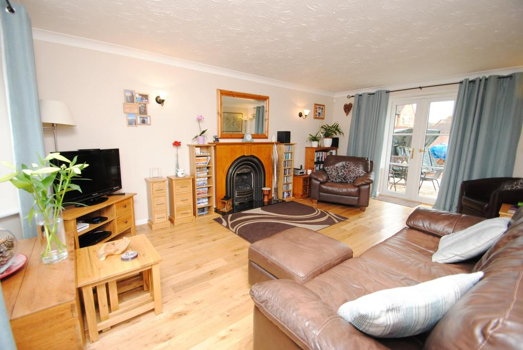 4 Bedrooms Detached House for sale in Waterleaze, Taunton