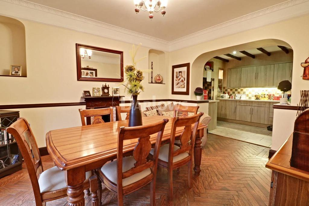 3 Bedrooms Detached House for sale in Tan-y-Wern, Penrhiwgwynt Road, Porth
